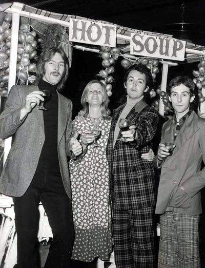 wings 1971