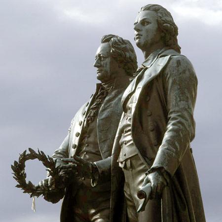 Estatua de Goethe y Schiller en Weimar