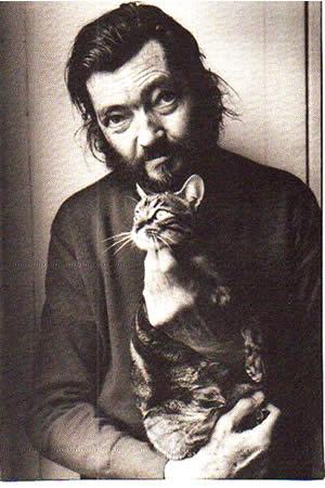 Julio Cortázar y su gato