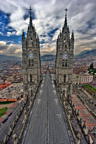 Basílica del Voto Nacional y Centro Histórico de Quito