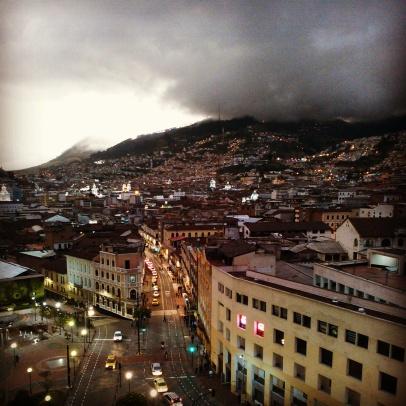 Quito se ilumina by Fausto Ribadeneira